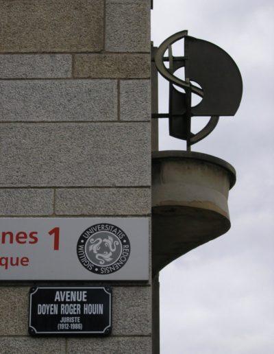 Geometric structure, copper and brass, 1960, Faculté de Droit, rue Jean Macé