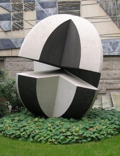Boule, white stone, 1960, courtyard area, Faculté de Droit