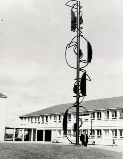 Signal, metal, 7 m, 1967, Collège, La Guerche-de-Bretagne