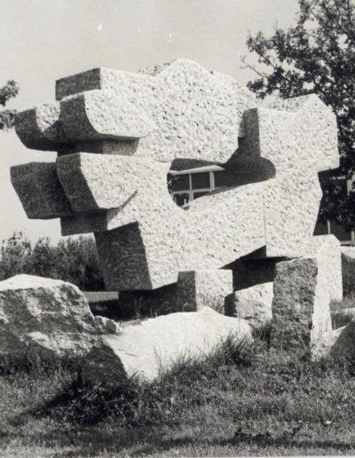 Sculpture, granite, 1979, Lycée Pierre Mendès France (formerly Lycée des Métiers du Bâtiment)