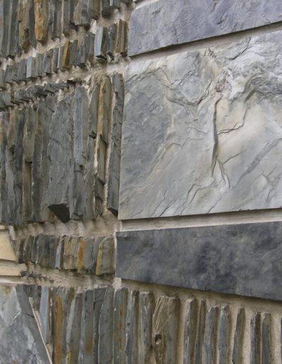 Détail mural du patio - Pierre et ardoise -1960