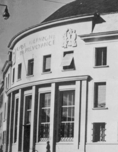Caisse Epargne Caen - bas relief - 1951