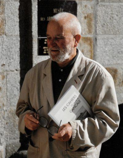 Francis devant le Musée - 1997
